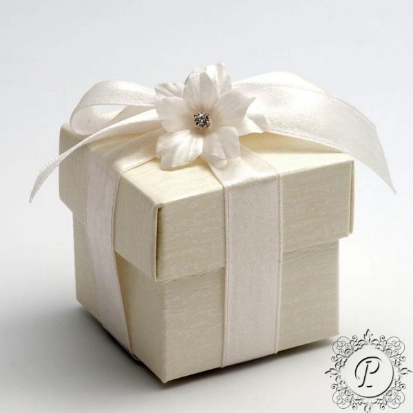 Ivory Ardesia Cube Corpercio Wedding Favour Box