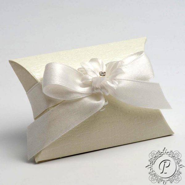 Ivory Ardesia Pillow Bustina Wedding Favour Box